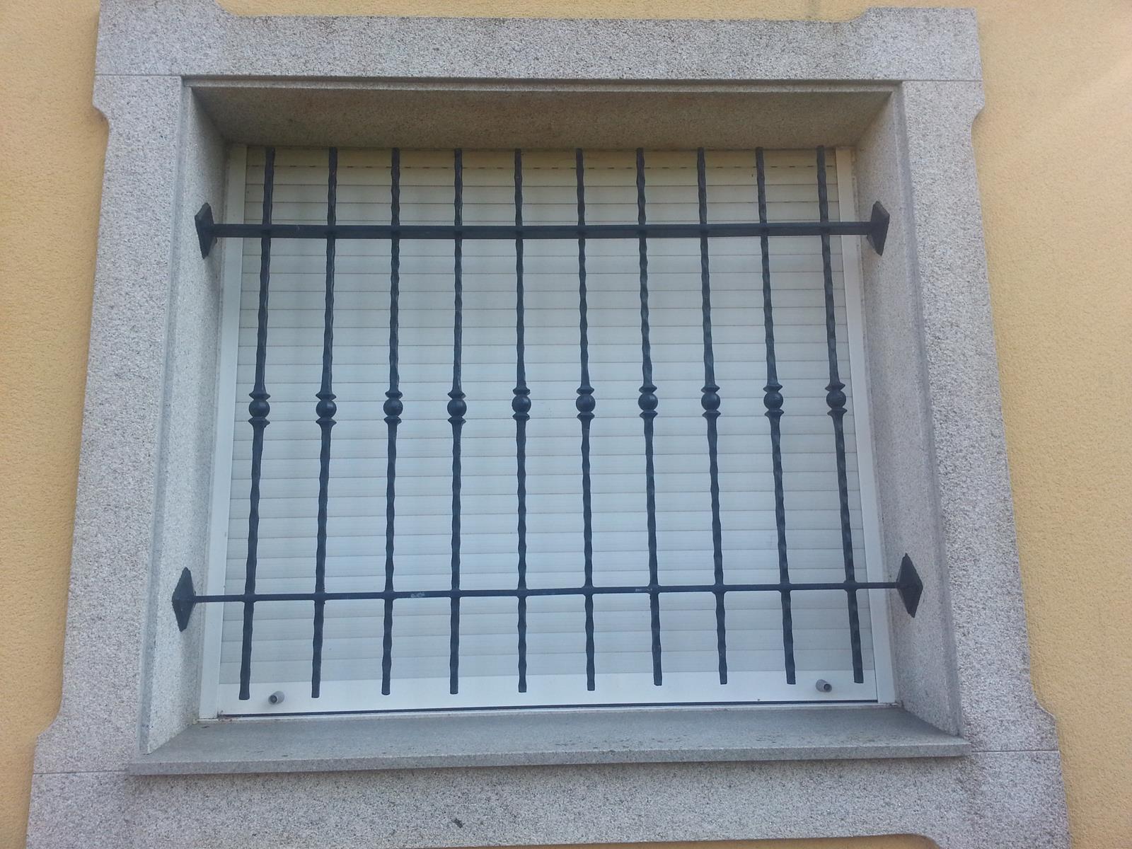 Rejas rejas para ventanas tattoo design bild for Diseno de puertas