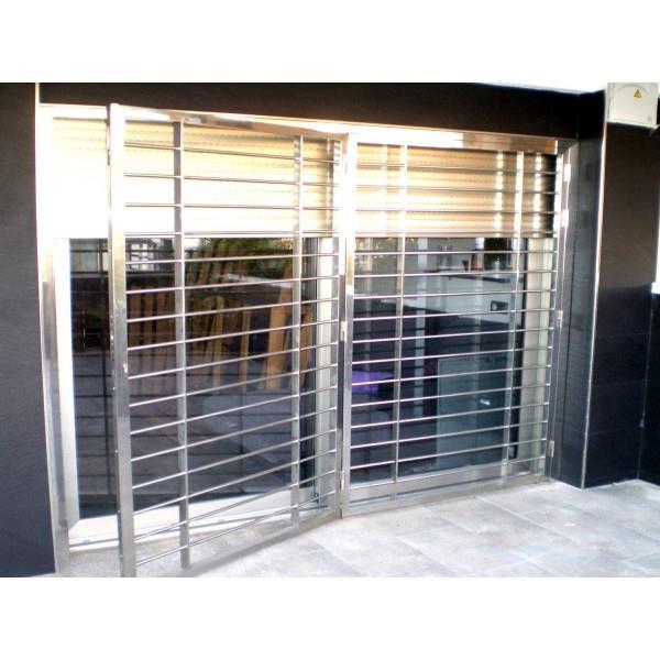 Rejas para ventanas hierro o inox carpinter a ordes for Decoracion para pared en hierro
